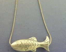 colgante pez de plata amuleto con cadena incluida