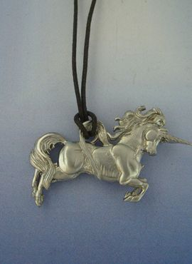 unicornio plata amuleto colgante
