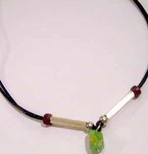 collar con mineral crisoprasa y plata