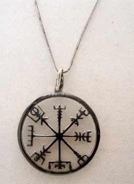 brújula vegvísir amuleto vikingo plata
