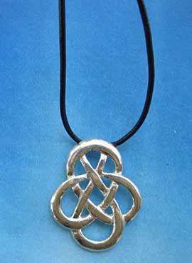 colgante nudo celta sin fin amuleto de plata
