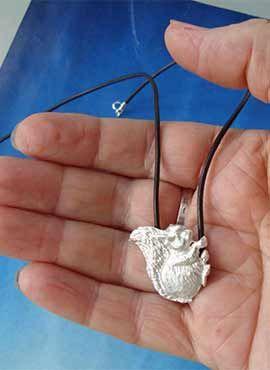 colgante de ardilla de plata