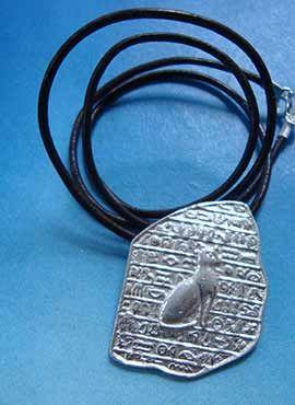 colgante diosa egipcia bastet y piedra rosetta
