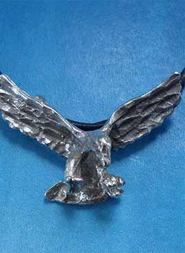 colgante águila de plata amuleto