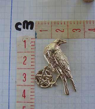cuervo celta con pentagrama dimensiones