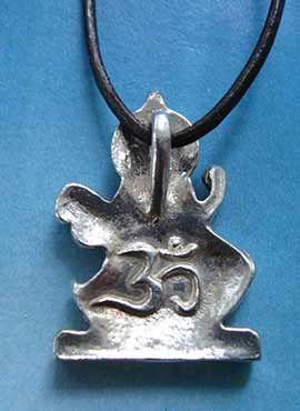 Sarasvati diosa hindú colgante parte trasera