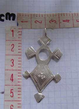 colgante cruz tuareg dimensiones