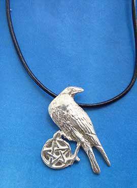 colgante cuervo celta con pentagrama joya de plata
