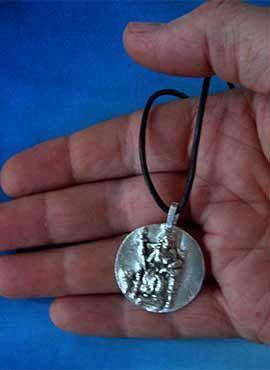 medalla demeter colgante plata
