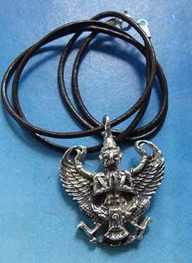 joya el dios águila Garuda hindu