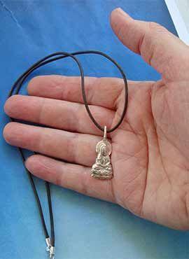 colgante buda amitabha de budismo de la tierra pura