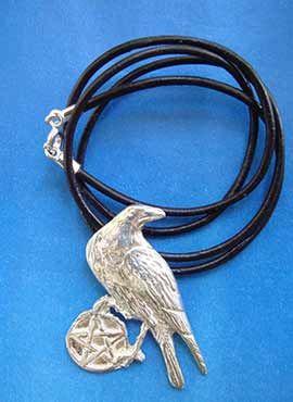 cuervo celta con pentagrama amuleto plata