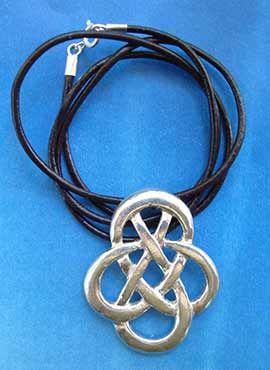 collar nudo celta clásico joya de plata