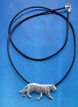 collar tigre de plata de ley