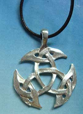 colgante triqueta celta de plata
