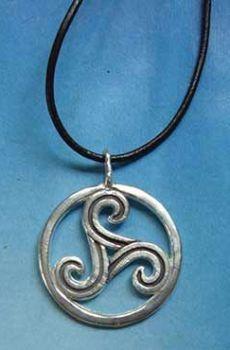 colgante trisquel celta amuleto de plata