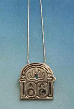colgante de plata de puerta alpha omega