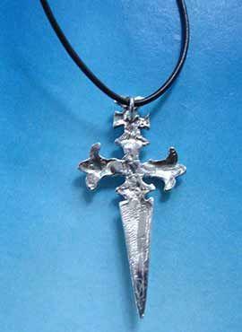 amuleto de plata cruz de Santiago, colgante de plata