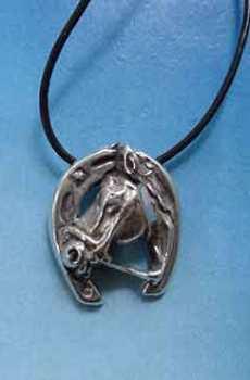 colgante herradura y caballo amuleto de plata