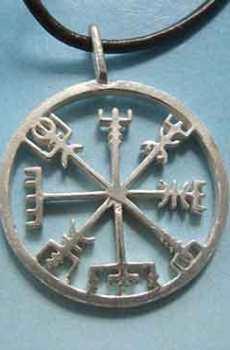 brújula vikinga vegvisir símbolo plata
