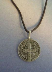 san Benito medalla de plata