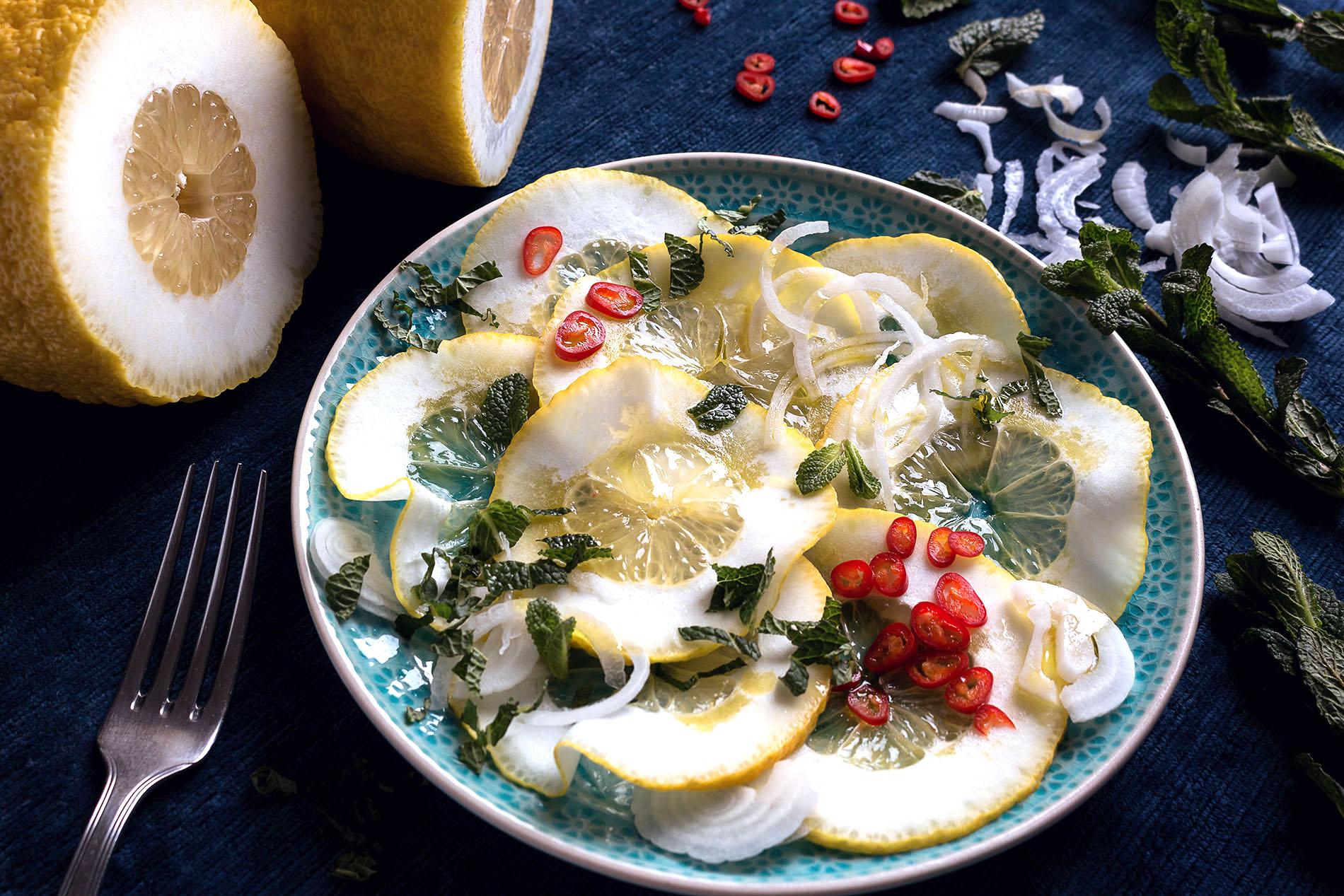 Zitronencarpaccio auf Teller