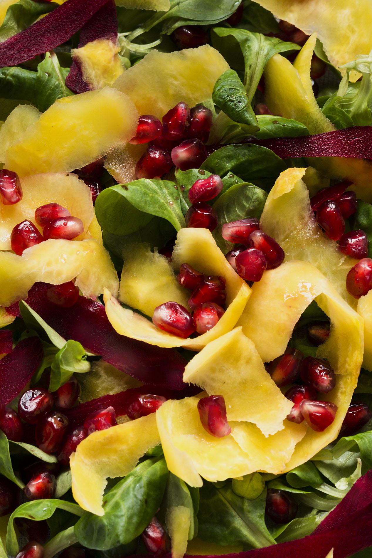 Feldsalat mit Bete und Granatapfel