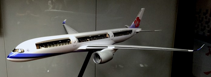 Cutaway China Airlines A350 Model