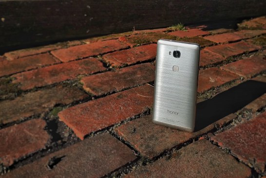 Honor 5X Review: Premium Features at a Low Price