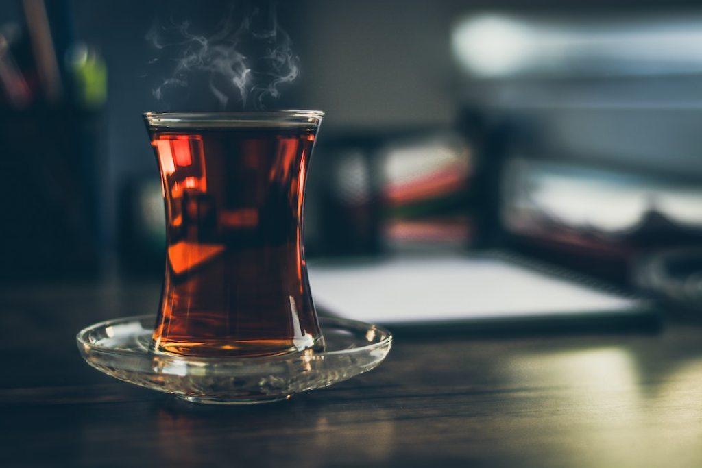 Black Tea vs Green Tea: Caffeine