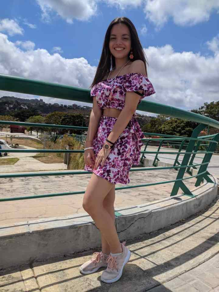 """""""We Have The Tools For Hope"""": Atenea Gimenez, a Venezuelan college student and volunteer teacher, demonstrates how to light up the darkest of moments"""