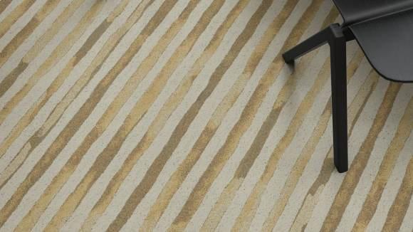organic linear carpet, Yellow Rock Trail creates an organic linear pattern