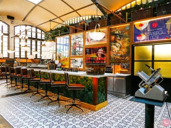 restaurant design, Restaurant of restaurants in a former Modernist garage