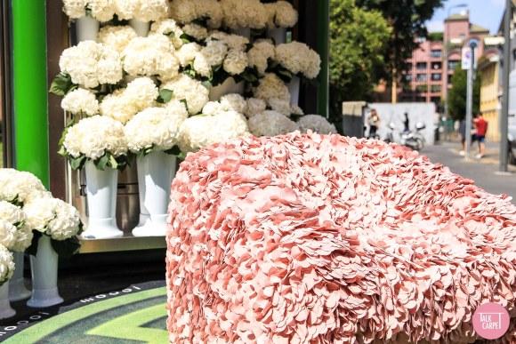 moooi carpet, Moooi Hortensia display in the Brera Design District translated into carpet