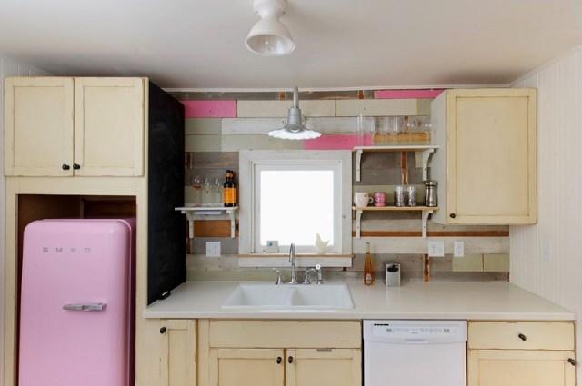 Charming Cottage Kitchen