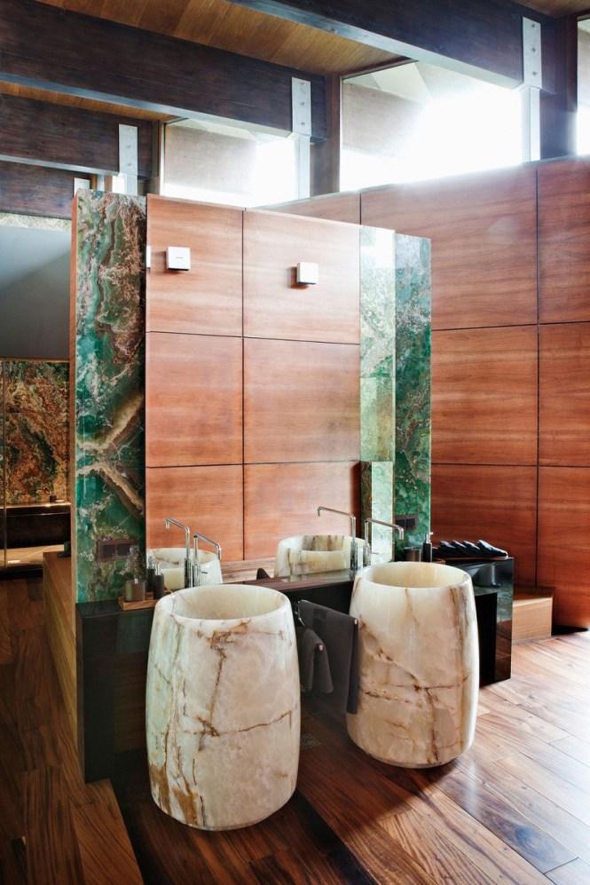 Dazzling Bathroom With Onyx Furniture