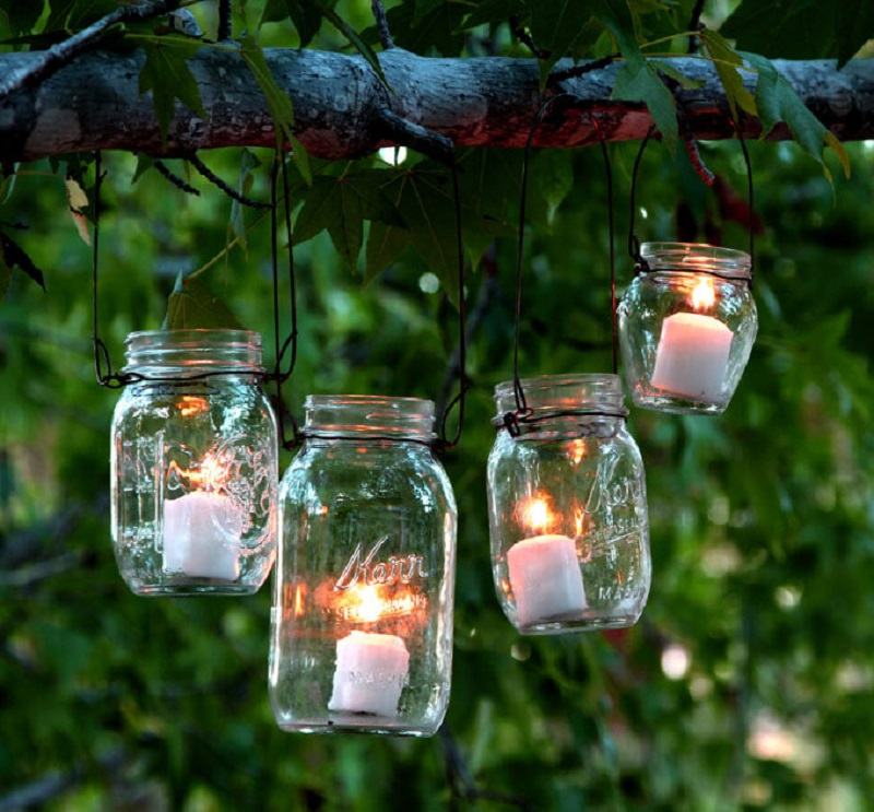 Simple Mason Jar Backyard Lighting