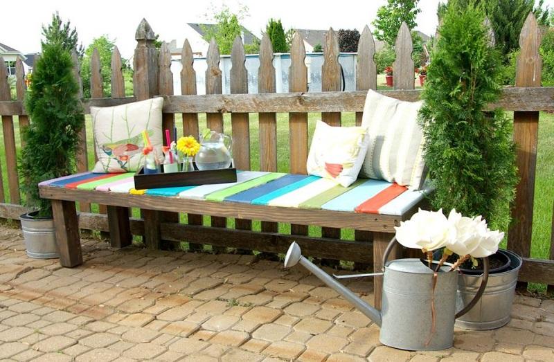 Beautiful Summer Outdoor Pallet Bench Diy