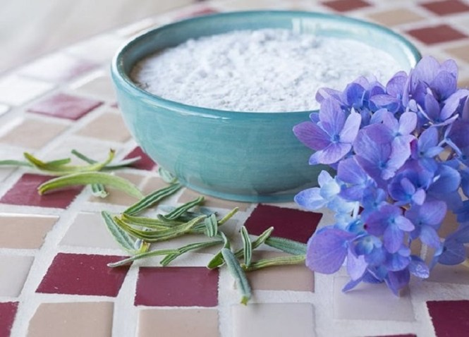 ROSEMARY AND LAVENDER CARPET POWDER