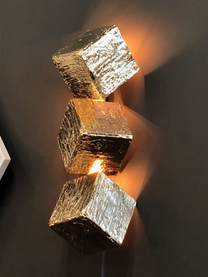 Cubic Wall Lighting Fixturtes In Gold
