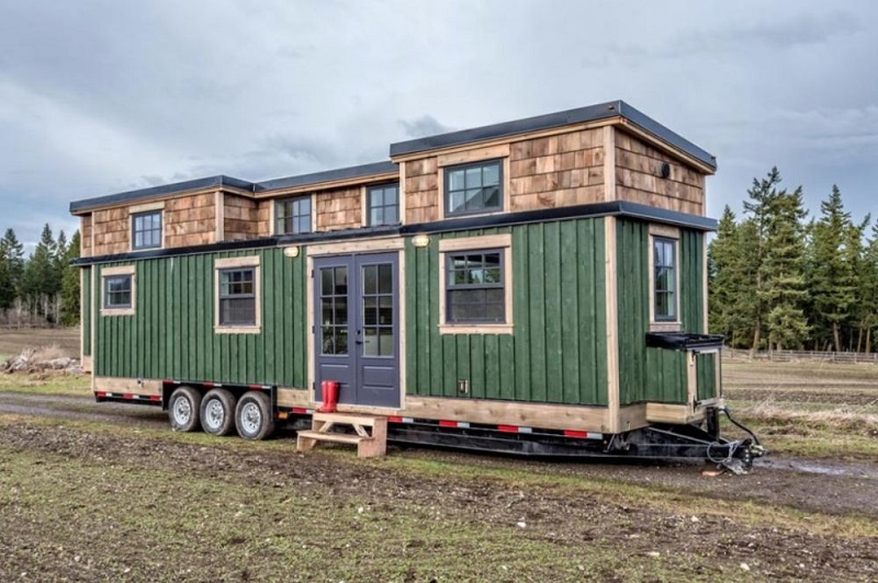 Tiny House Forest Green On Wheels