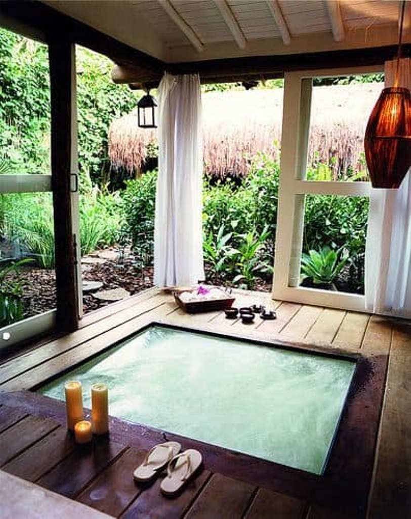 Jacuzzi With Privacy
