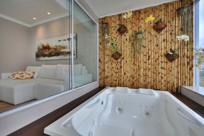 Tropical Feel Indoor Jacuzzi