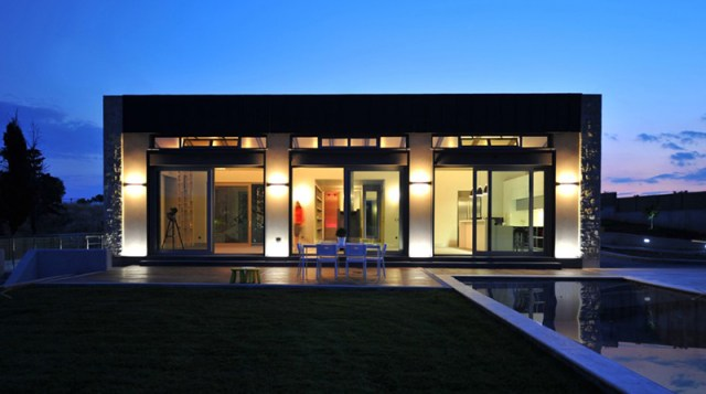 Modern And Simple One Storey Home