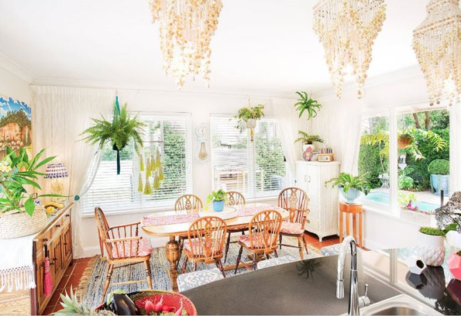 Summer Vibe Dining Room