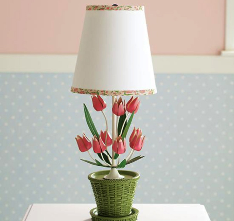 Tiptoe To The Tulip Lamp