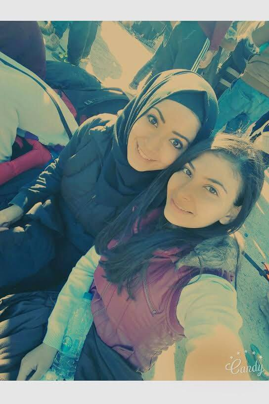 The-girls-17-and-20-on-their-trip-from-Istanbul-to-Sweden