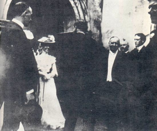 Emma 3 President McKinley Greeting Well-Wishers at the Temple of Music minutes before he was shot. Library of Congress