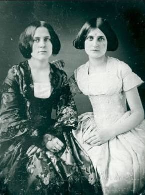 Margaret and Kate Fox
