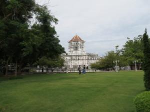 Santichaiprakan Park, Phra Arthit Road, Bangkok